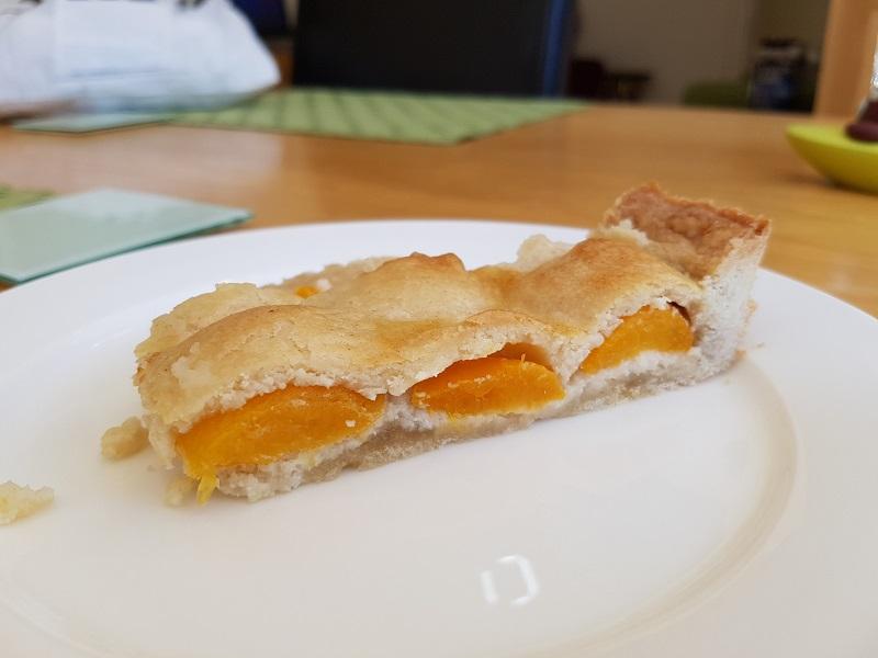 almond apricot tart 2.jpg