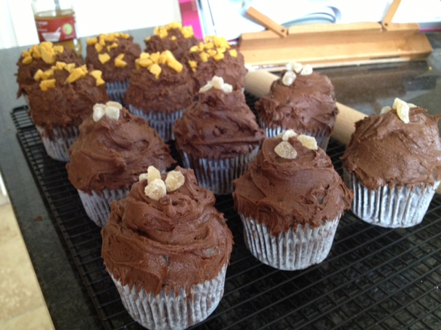 decorated ginger cupcakes.JPG