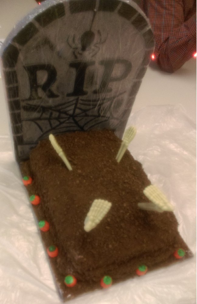 Grave Cake b.jpg