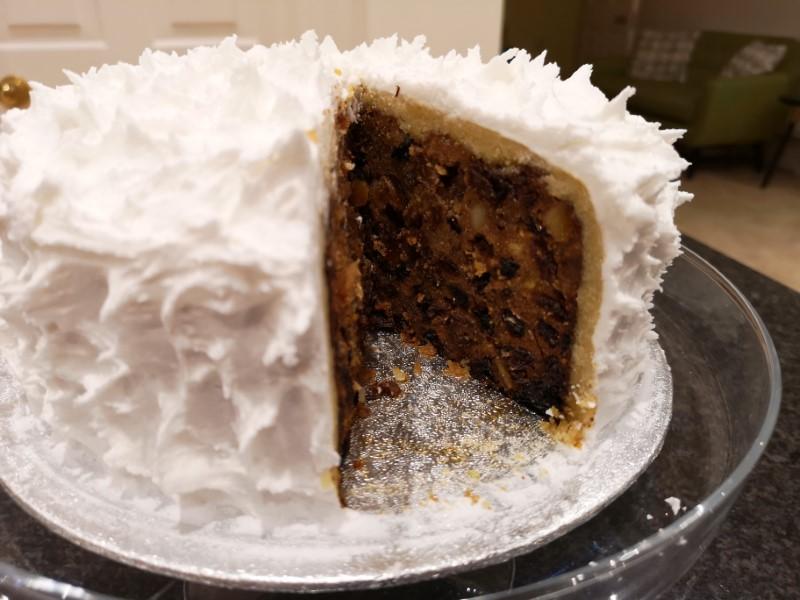 iced christmas cake 2.jpg