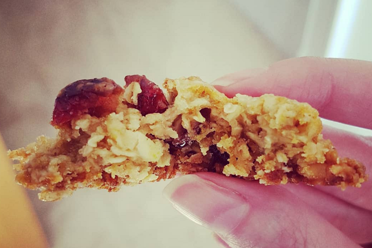white choc cranberry oat cookies 2.PNG